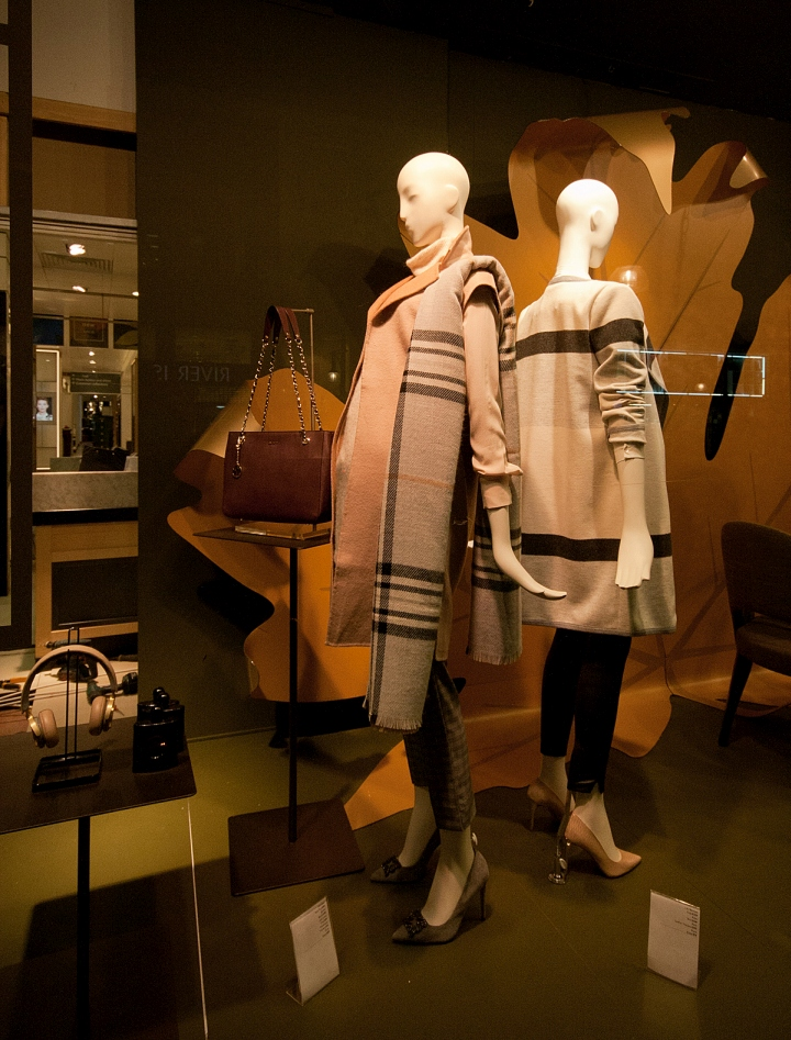 John-Lewis-Windows-2015-Fall-London-UK-09