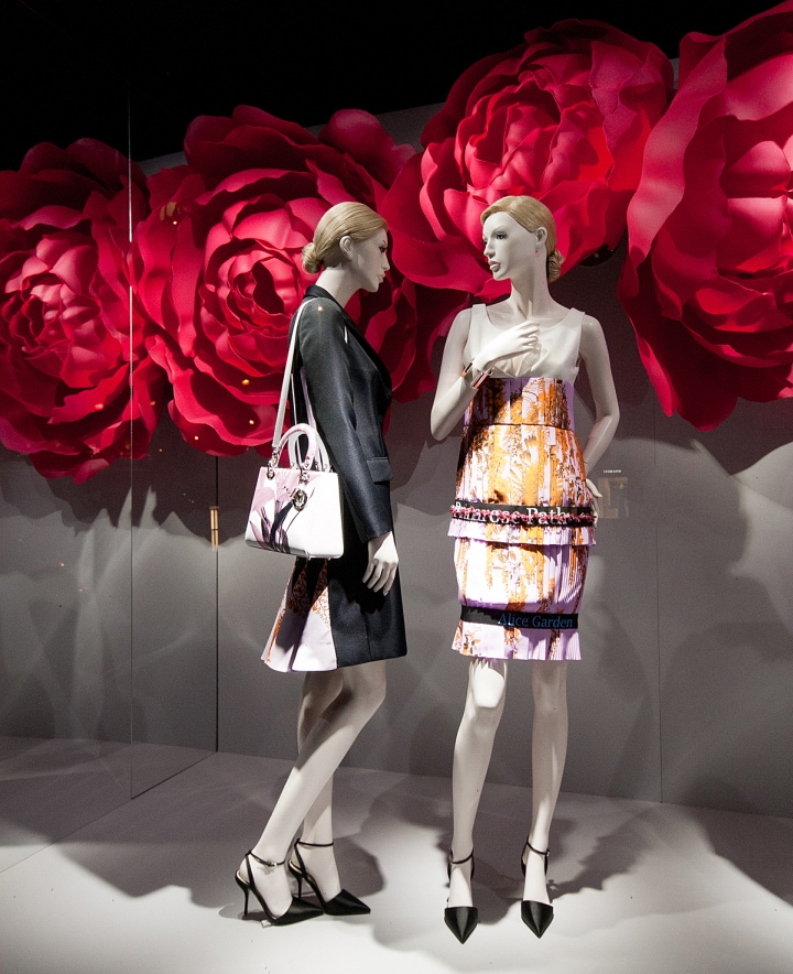 Dior-windows-2014-Summer-Paris-France-02