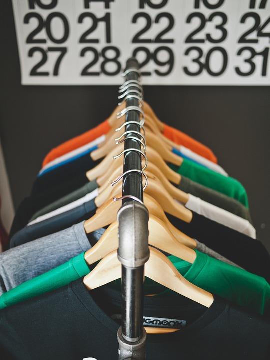 hangers-569364_960_720